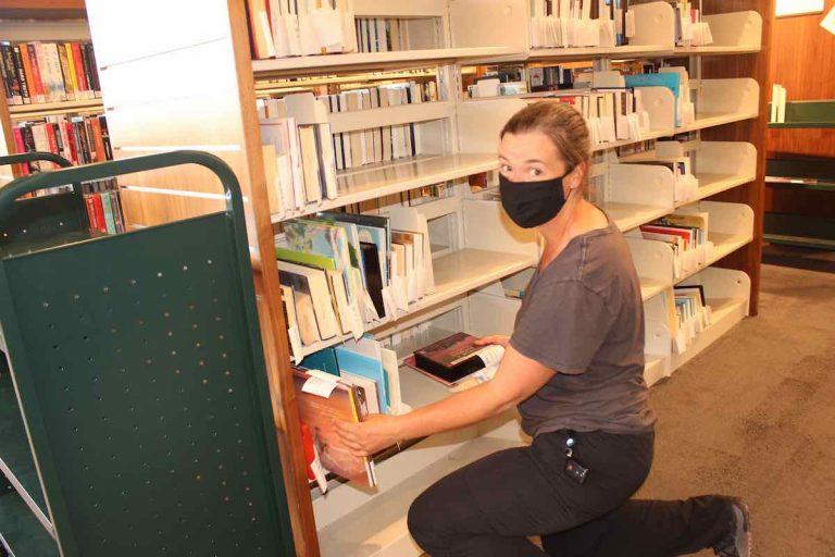 Felton library opens indoor browsing